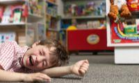 Истерика у ребенка в магазине. Что делать?